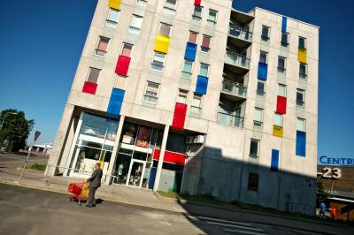 Bâtiment design coloré à Tallinn, Estonie