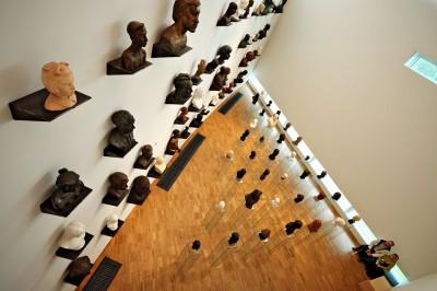 Seagull est une oeuvre de Villu Jaanisoo exposée ici au KUMU