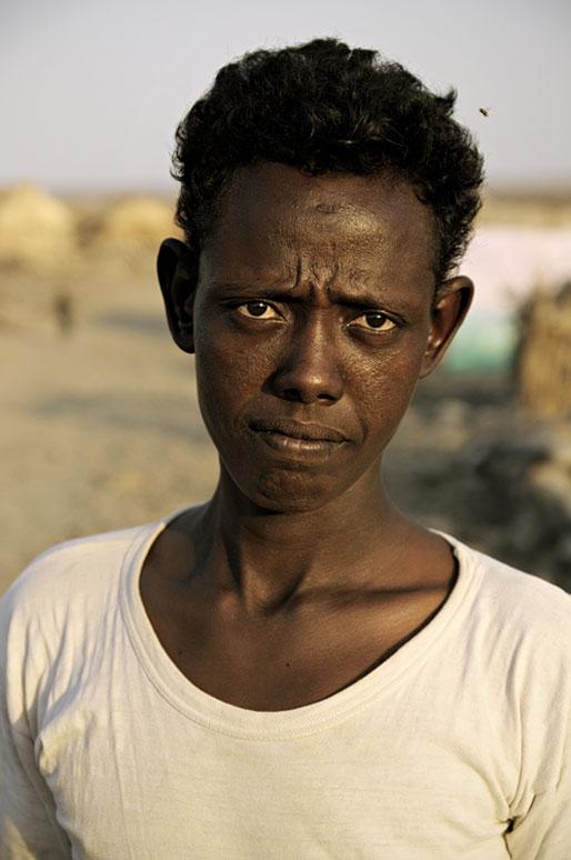 Portrait d'un homme au regard perçant à Ahmed Ela, Ethiopie