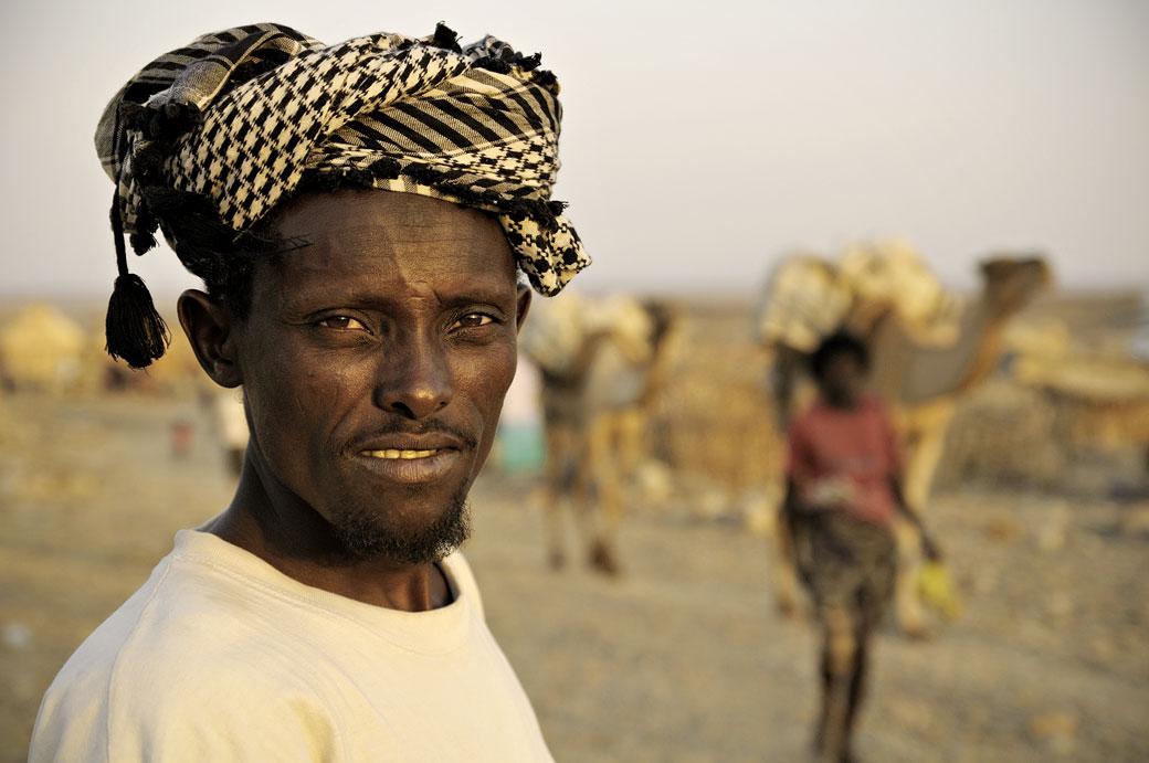Homme du désert à Ahmed Ela, Ethiopie