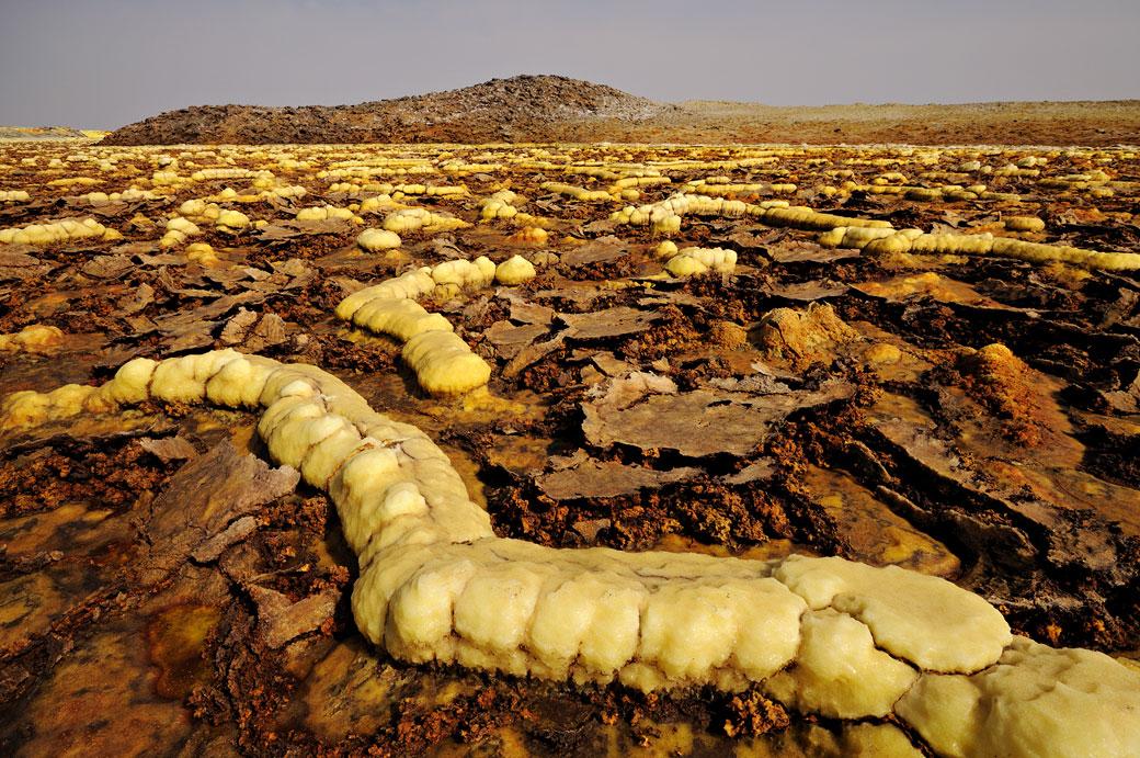 Étranges concrétions minérales sur le volcan Dallol, Ethiopie