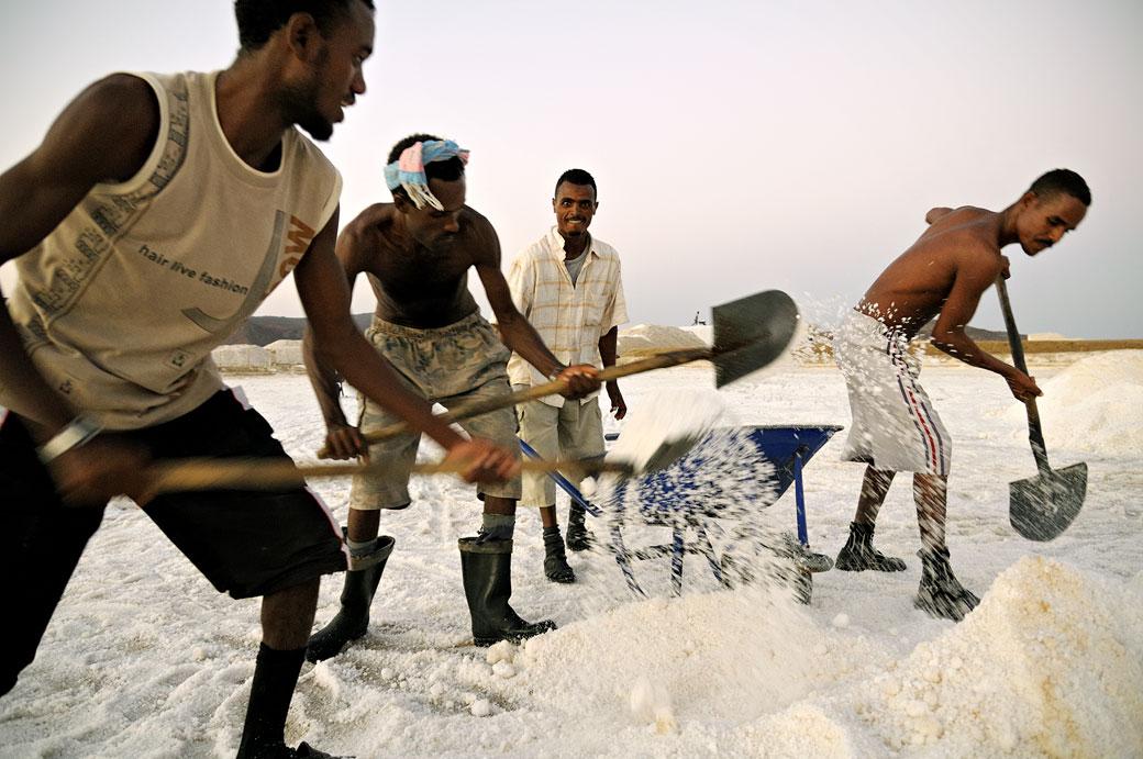 Travailleurs dans les salines d'Afdera, Ethiopie