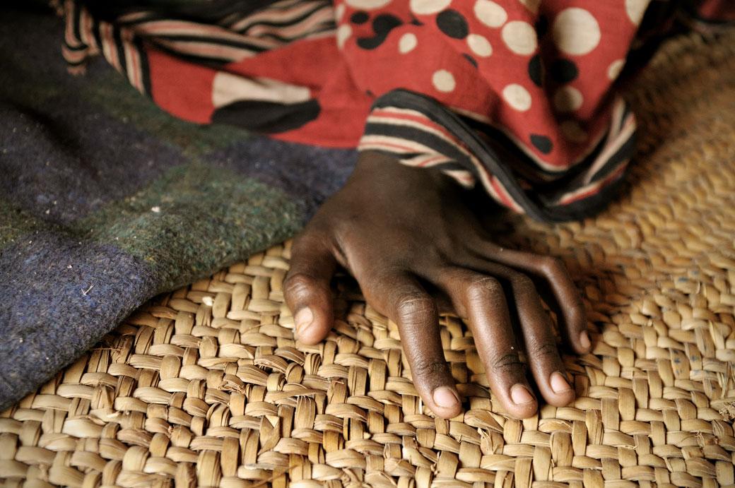 Main de femme Afar du désert Danakil, Ethiopie