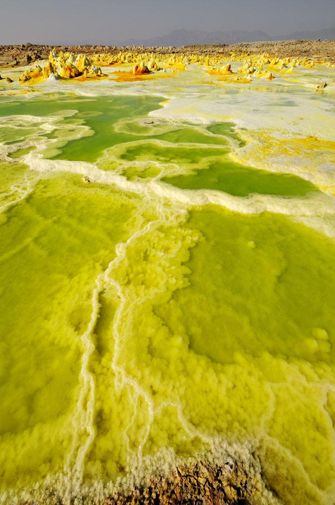 Lac vert acide sur le volcan Dallol, Ethiopie