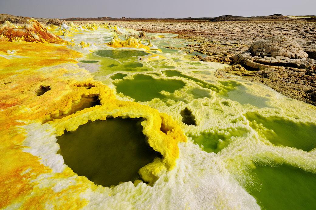 Lacs d'acide et soufre sur le volcan Dallol, Ethiopie
