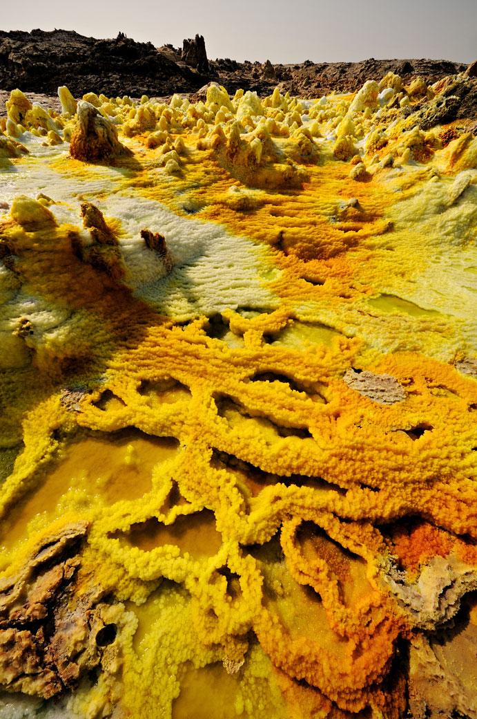 Concrétions minérales sur le volcan Dallol, Ethiopie