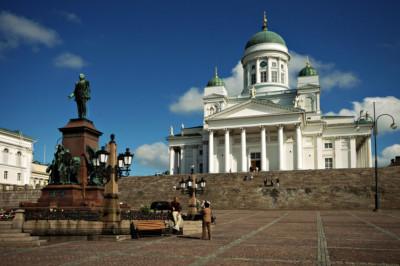 Statue d'Alexandre II devant la cathédrale Luthérienne à Helsinki, Finlande