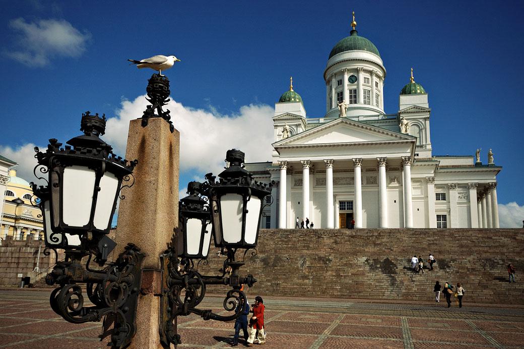 La cathédrale Luthérienne d'Helsinki depuis la place du Sénat, Finlande