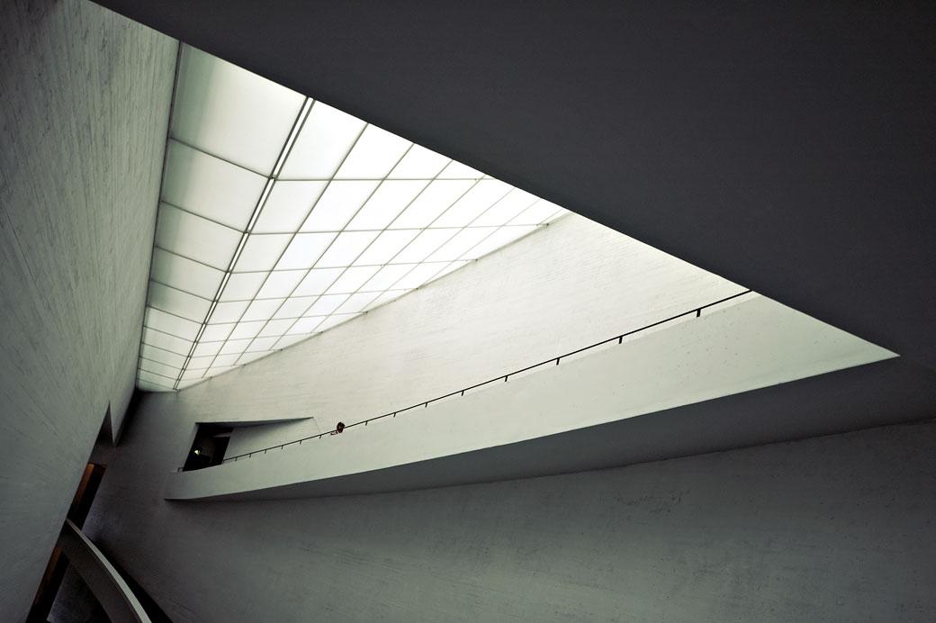 A l'intérieur du KIASMA, le musée d'art contemporain d'Helsinki, Finlande