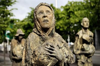 Statues du mémorial de la grande famine à Dublin, Irlande