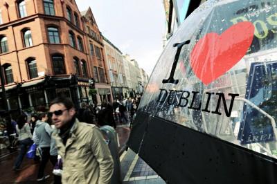 Parapluie I love Dublin sur Grafton Street, Irlande