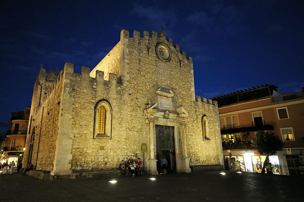 Piazza Duomo à Taormine en Sicile, Italie