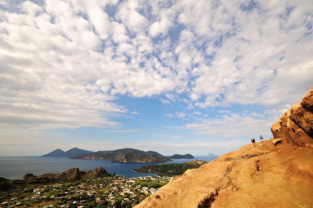 Les îles Éoliennes depuis Vulcano en Sicile, Italie