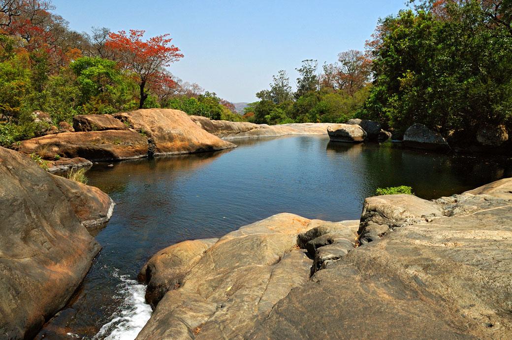 Piscine naturelle sur le massif du Mulanje, Malawi