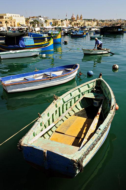 Bateaux dans le port de Marsaxlokk, Malte