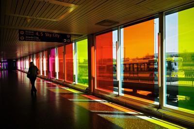 Vitres colorées à l'aéroport Arlanda de Stockholm, Suède
