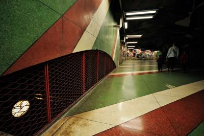 Couloir de la station de métro Kungsträdgården à Stockholm, Suède