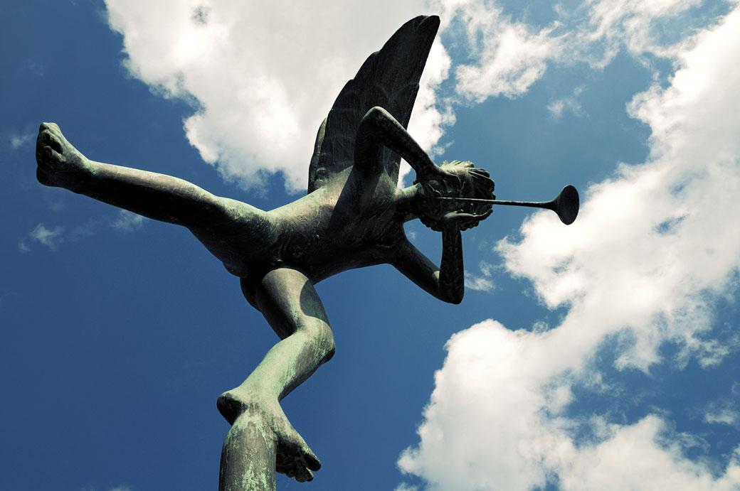 Sculpture d'un ange musicien au Millesgården de Stockholm