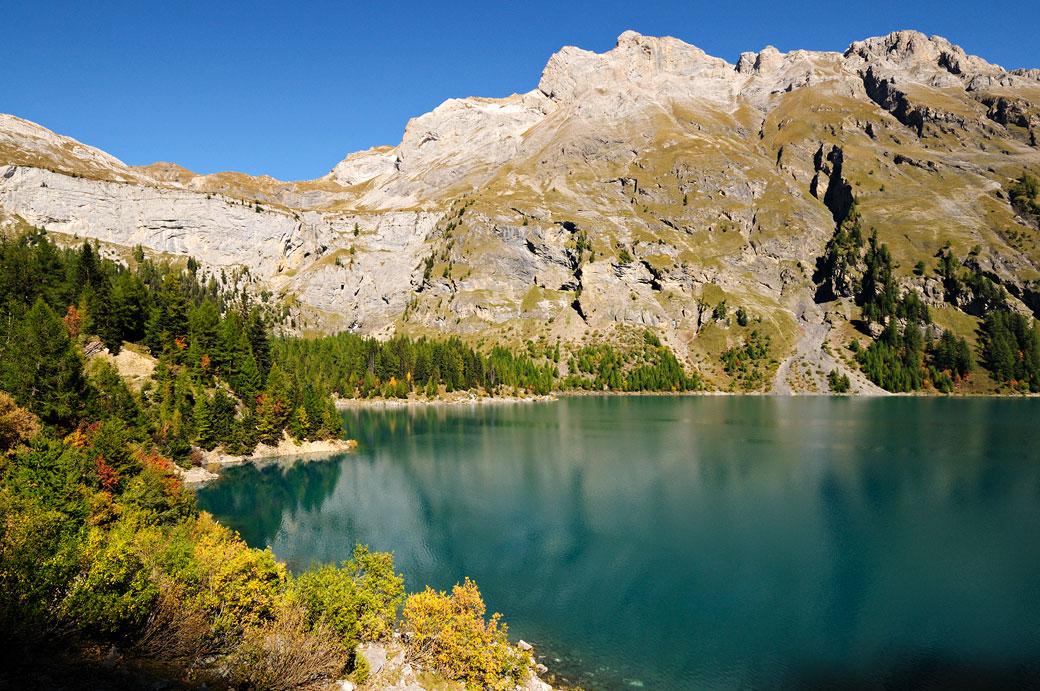 Lac de Tseuzier et Alpes valaisannes, Suisse