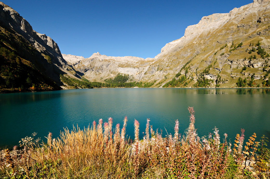 Lac de Tseuzier dans le canton du Valais, Suisse