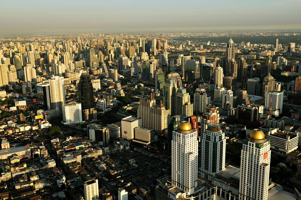 Bangkok et ses gratte-ciel depuis Baiyoke Tower II, Thaïlande