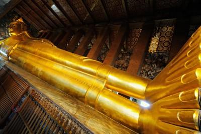 Le grand bouddha couché du Wat Pho à Bangkok, Thaïlande