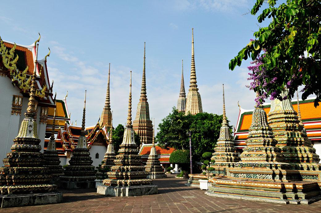 Stupas du Wat Pho à Bangkok, Thaïlande