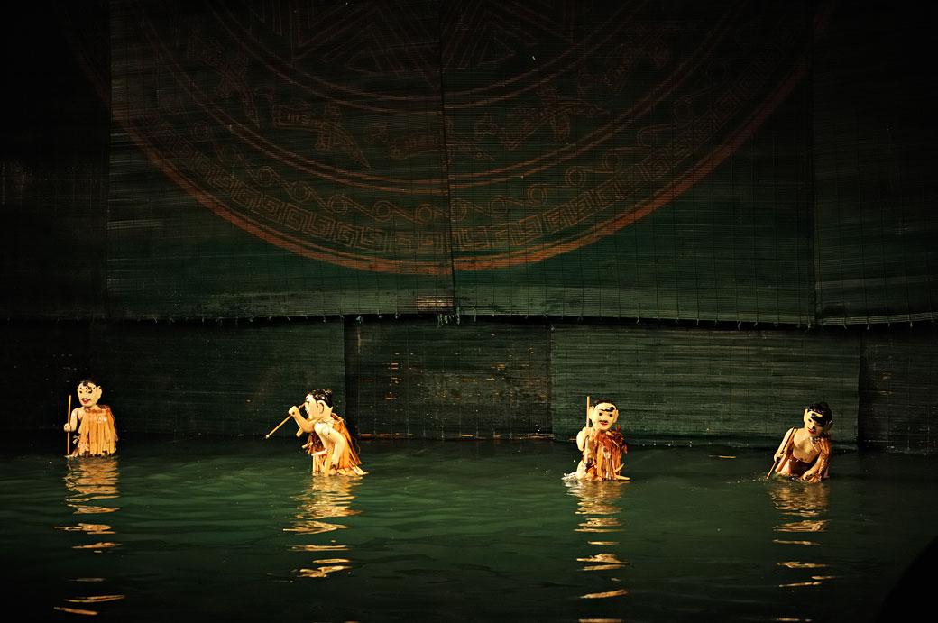 Marionnettes au théâtre sur l'eau de Hanoi, Vietnam