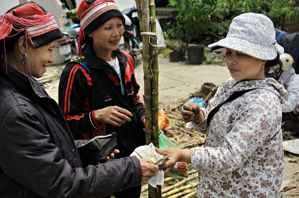 Femmes Dao dans la province de Hà Giang, Vietnam