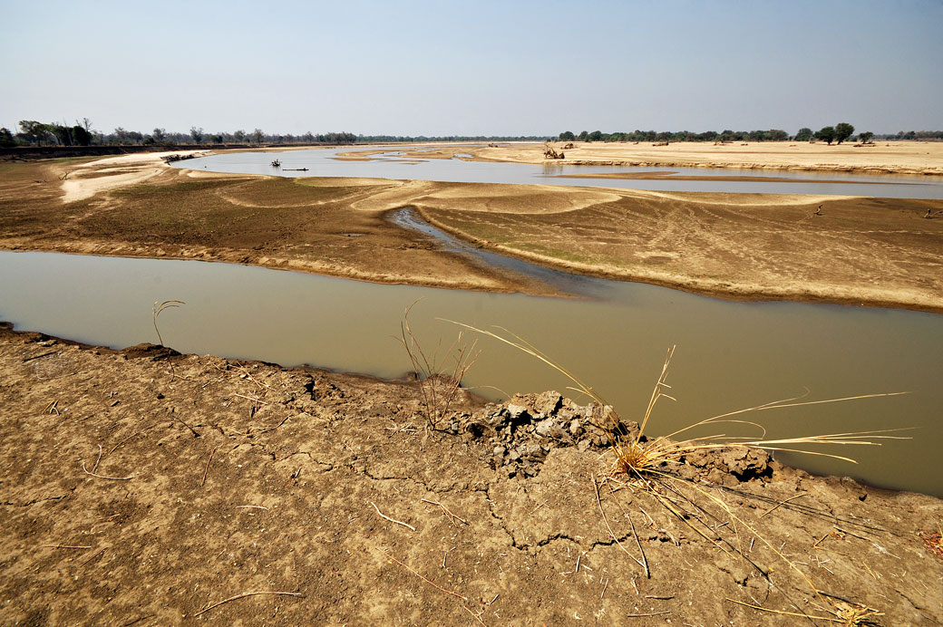 Rivière Luangwa en saison sèche, Zambie