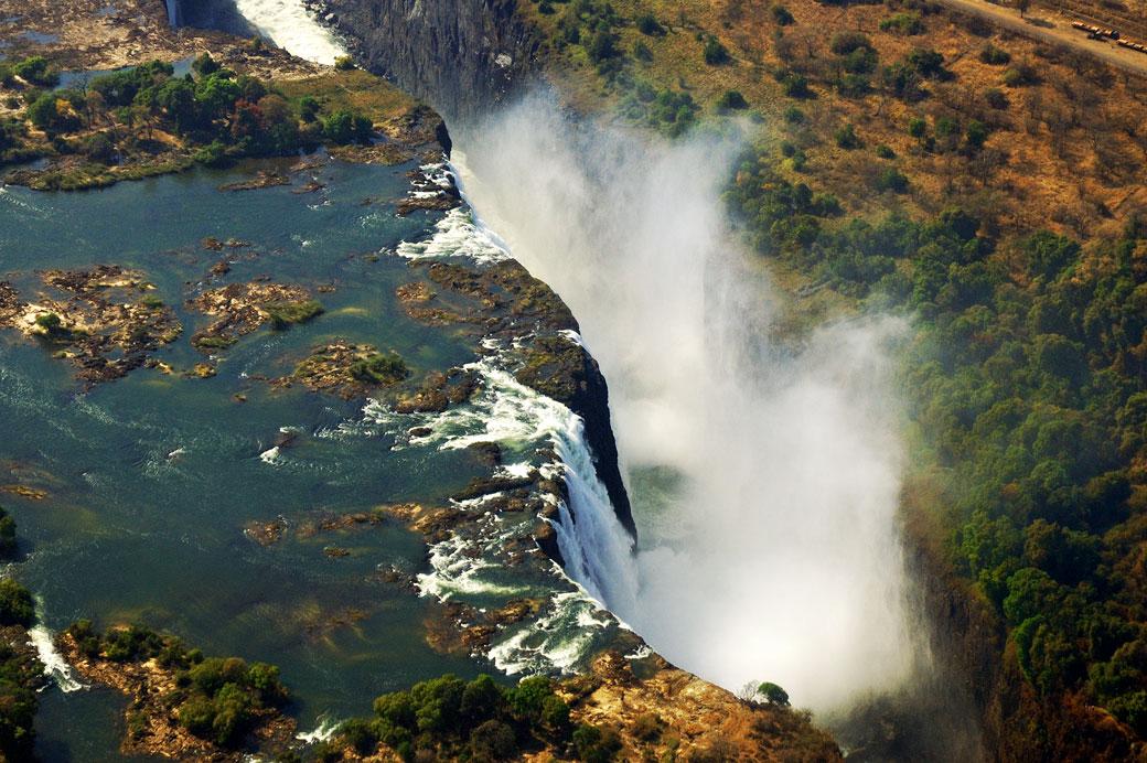 Les Chutes Victoria vues depuis un hélicoptère, Zambie