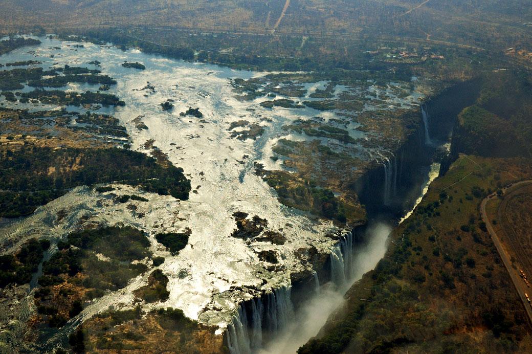 Les Chutes Victoria vues d'en-haut depuis un hélicoptère, Zambie