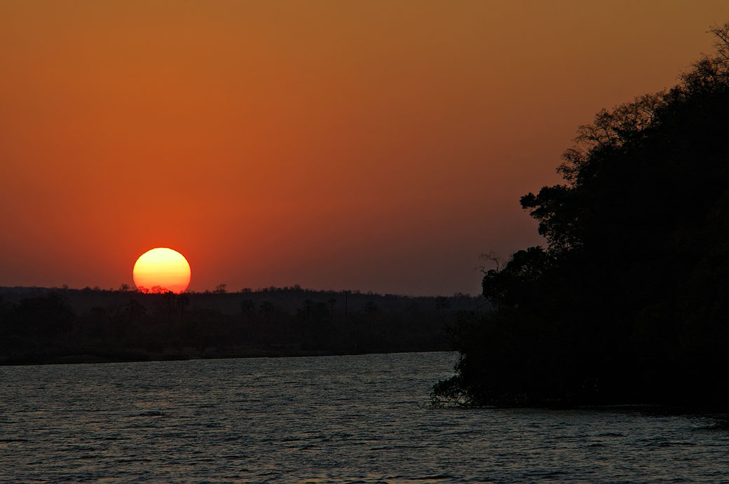 Coucher de soleil sur le Zambèze, Zambie